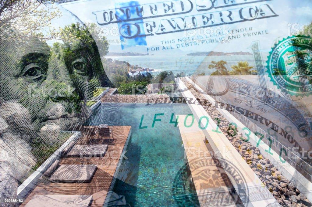 집 값을 묘사 하는 돈으로 집의 개념적 이미지 - 로열티 프리 0명 스톡 사진