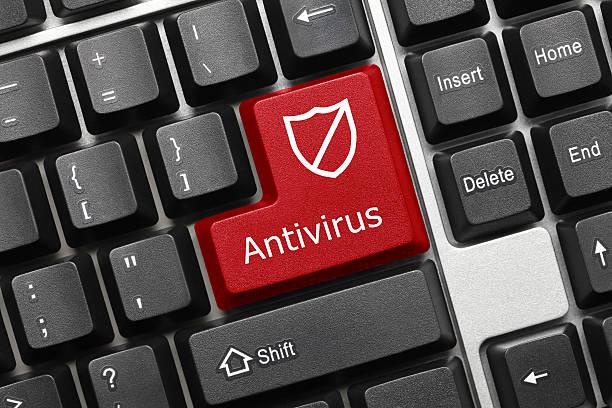 Konzeptionelle Tastatur-Antivirus (rote Taste mit Schild-symbol – Foto