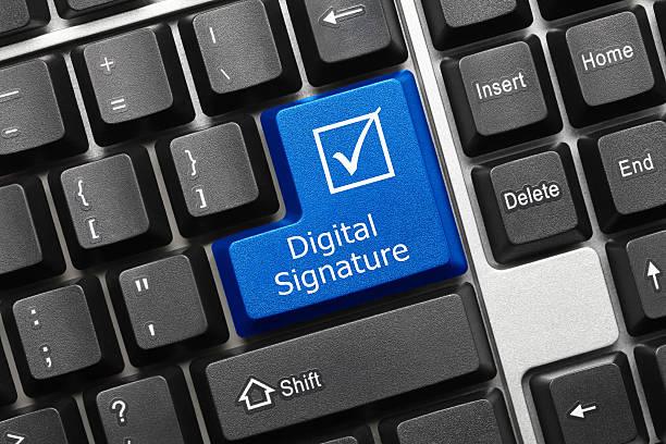 konzeptionelle tastatur-digitale signatur (blue key - unterschrift stock-fotos und bilder
