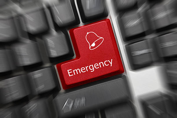 Konzeptionelle Tastatur-Notfall (rote Taste, zoom-Effekt – Foto