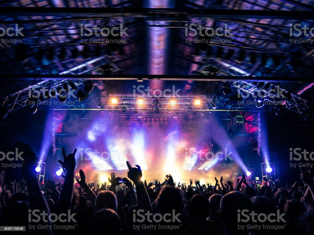 コンサートの群集の拍手 - イタリアのロイヤリティフリーストックフォト