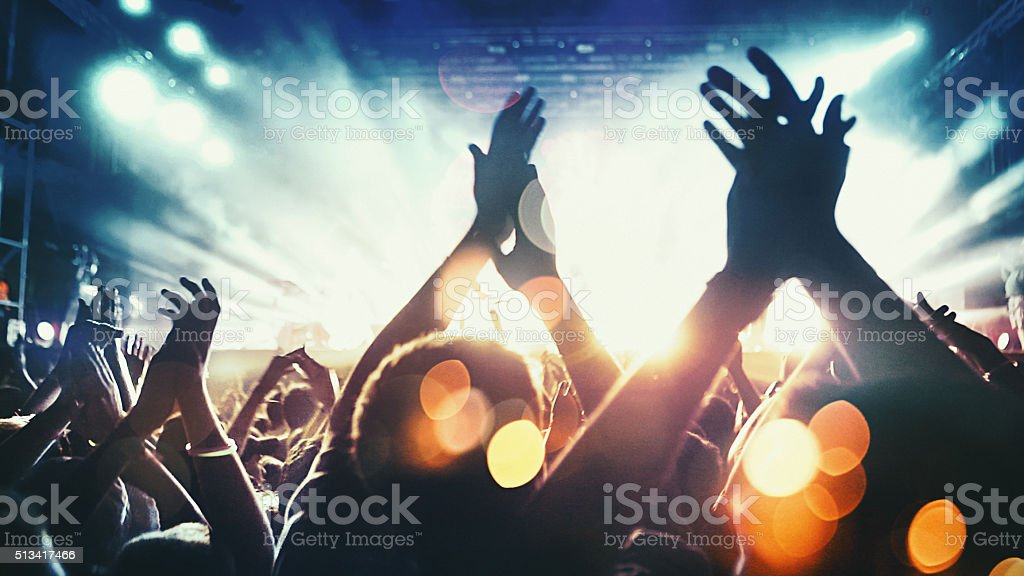 Multitud de conciertos. - foto de stock