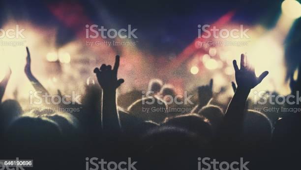 Concert crowd picture id646190696?b=1&k=6&m=646190696&s=612x612&h=vq8z1sdibtaapqbzffah9wkummp55v65qimqobk 5ww=