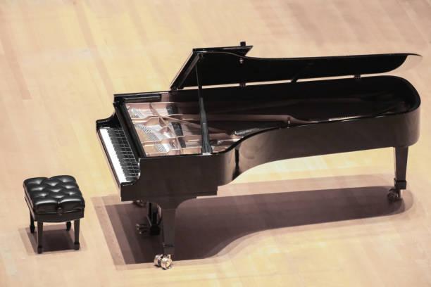 Concierto de piano de cola - foto de stock