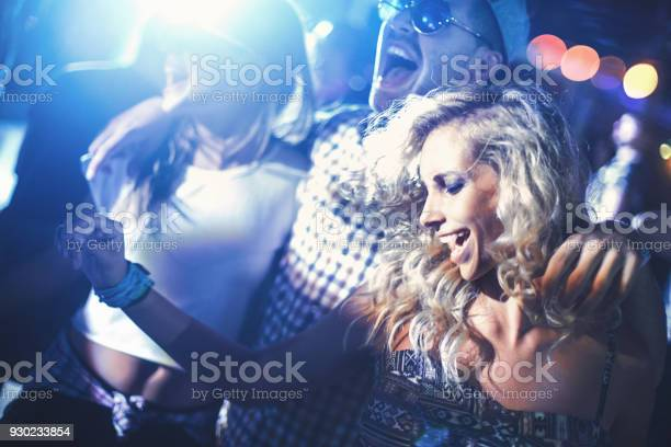 Concert party picture id930233854?b=1&k=6&m=930233854&s=612x612&h=1avfxyaoi8nbqbznihmklhwwnpv4cqfprh4wgpexsdi=