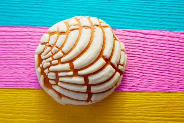 conchas mexikanischen süßes brot traditionell - mexikanische möbel stock-fotos und bilder