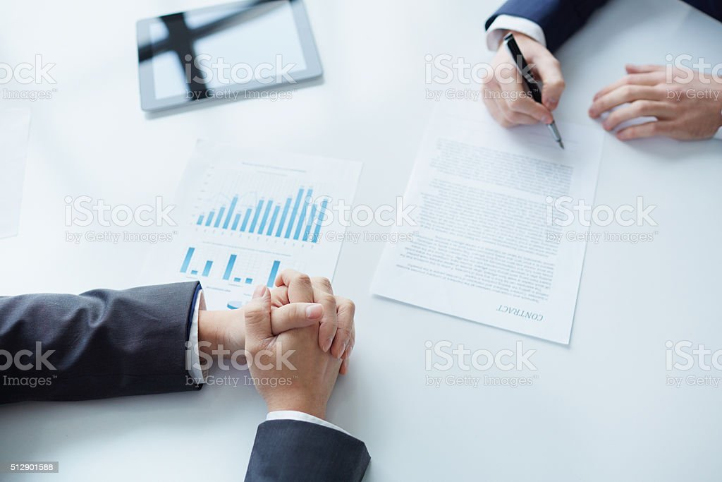 Concluding agreement stock photo