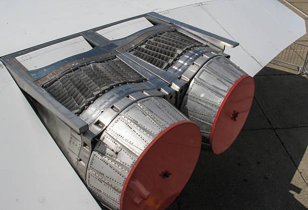 concorde vue d'extraction-moteur d'avion - avion supersonique concorde photos et images de collection
