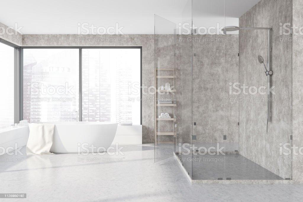 Konkrete Badezimmer Interieur Wanne Und Dusche Stockfoto und ...