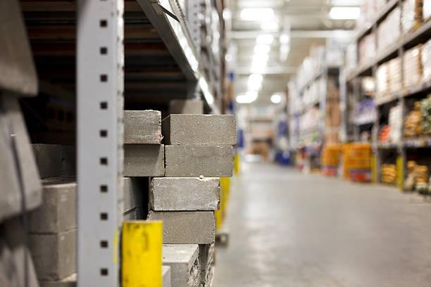 beton blocks im baumarkt - diy beton stock-fotos und bilder