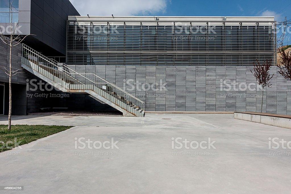 Beton Fläche mit modernen Gebäude wall – Foto