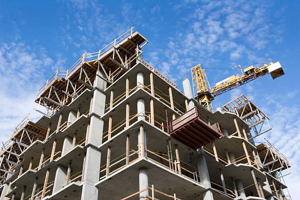beton highrise baustelle - neue wohnung stock-fotos und bilder