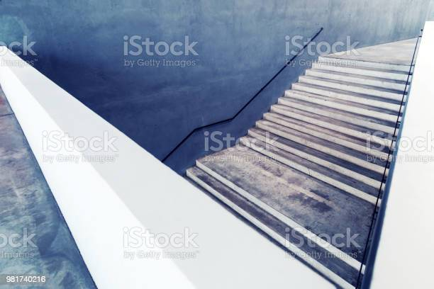 Betontreppenabstrakten Hintergrund Konzept Stockfoto und mehr Bilder von Abstrakt