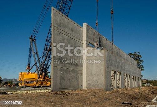 .Construction for concrete tilt-up warehouse.