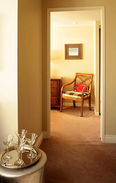 appartement – in toronto - dielenkommoden stock-fotos und bilder
