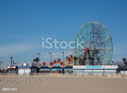 Coney island during a suny day