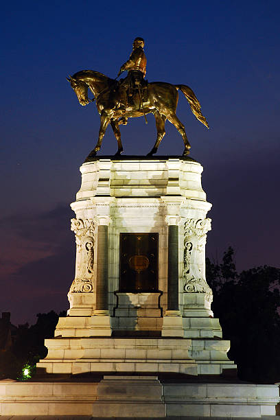 Confederate General Robert E Lee Memorial in Richmond The Robert E Lee Memorial in Richmond Virginia receives a prominent spot on Monument Avenue.   robert e. lee stock pictures, royalty-free photos & images