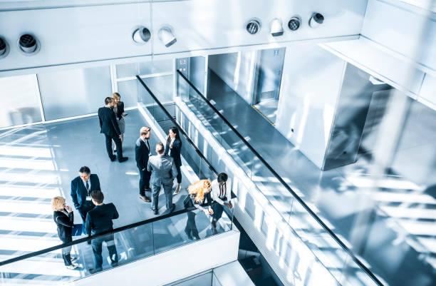 conference meeting - organizzazioni aziendali foto e immagini stock
