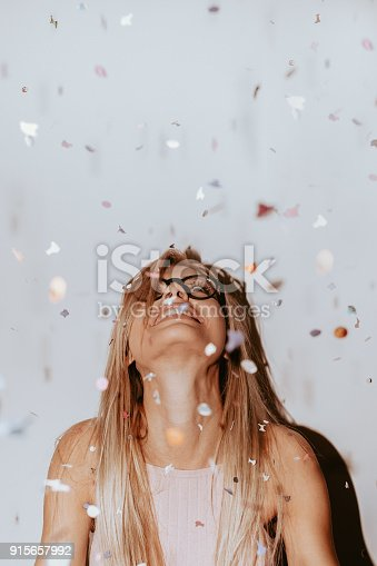 915661236 istock photo Confetti party 915657992