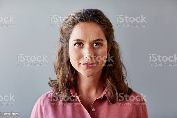 Confident businesswoman over gray background picture id682897825?b=1&k=6&m=682897825&s=612x612&h=c6tbrk7300t5e87tqjbeaxeh 83q rkdjzloths1uoc=