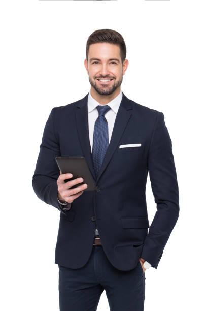 vertrouwen kaukasische zakenman glimlach en tablet geïsoleerd te houden - pak stockfoto's en -beelden