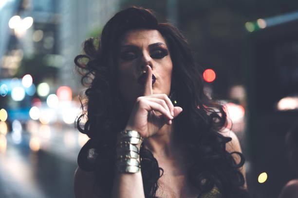 vertrouwen drag queen - drag queen stockfoto's en -beelden