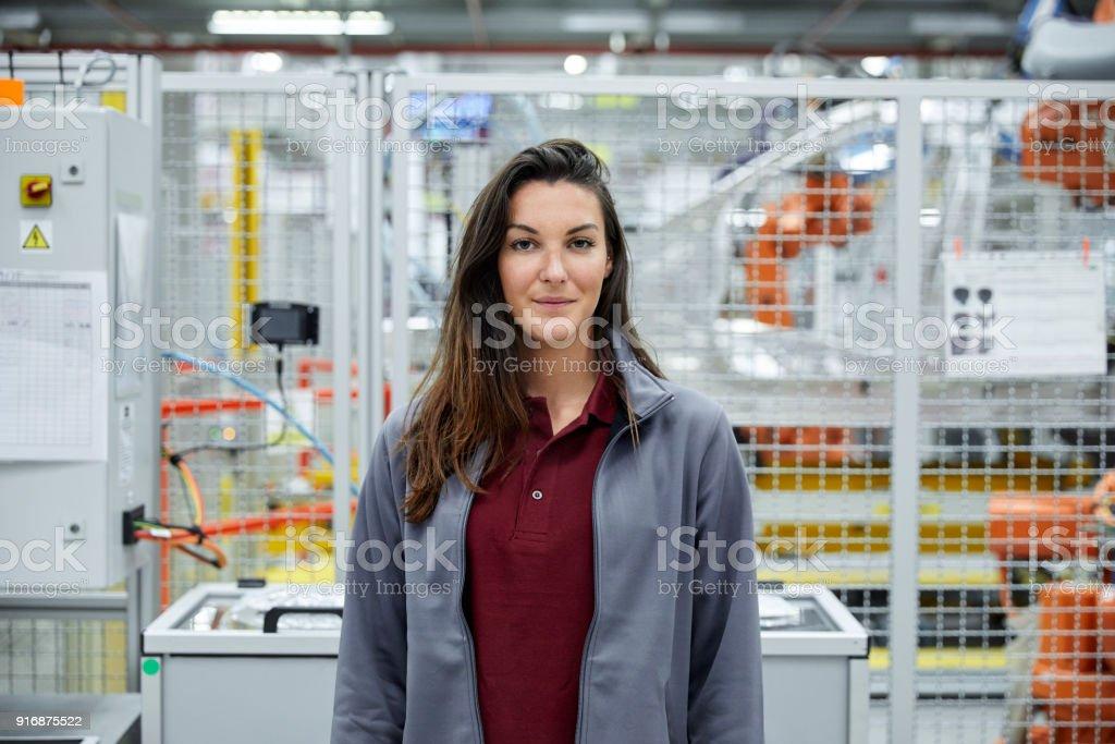 Zuversichtlich, Ingenieurin in der Automobilindustrie – Foto