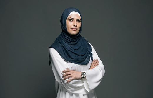 Confident Woman - Fotografie stock e altre immagini di Abaya - Abito