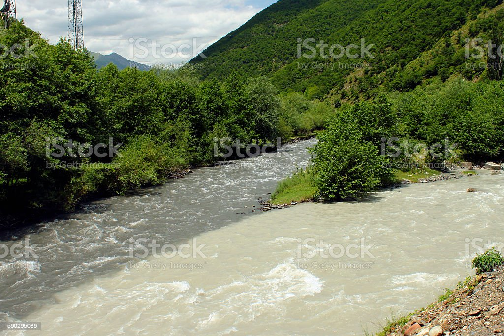 Confluence of Black and White Aragvi rivers royaltyfri bildbanksbilder