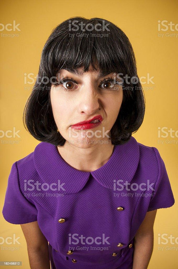 Confundida Frikis mujer en vestido Retro foto de stock libre de derechos