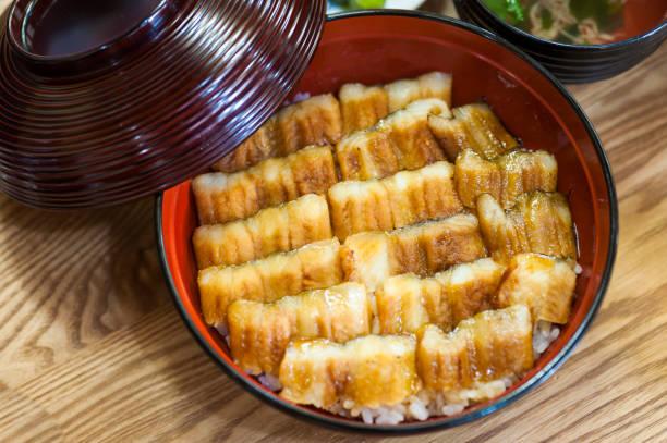 コンガーうなぎ丼 郷土料理 / 広島県 - 丼物 ストックフォトと画像