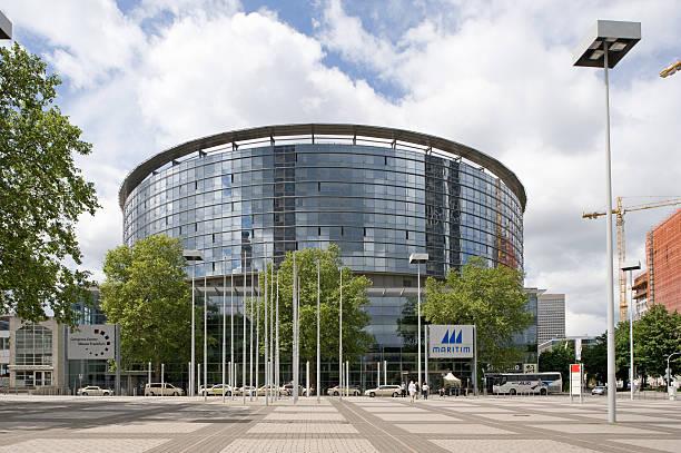 kongresszentrum messe frankfurt und maritim hotel, deutschland - ausstellungen frankfurt stock-fotos und bilder