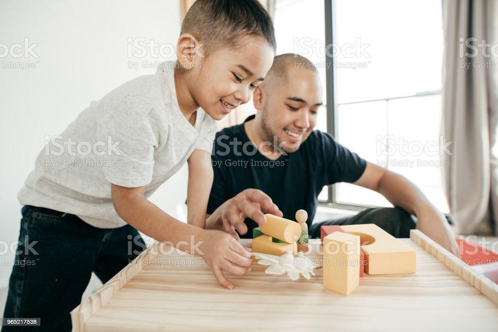 Connected parenting zbiór zdjęć royalty-free