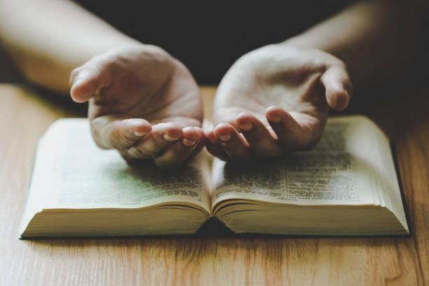 connecting with god - gott ist nicht tot stock-fotos und bilder