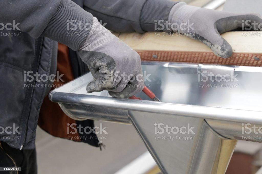 Verbinder Kunststoff Tropfen Rinnen auf dem Dach – Foto