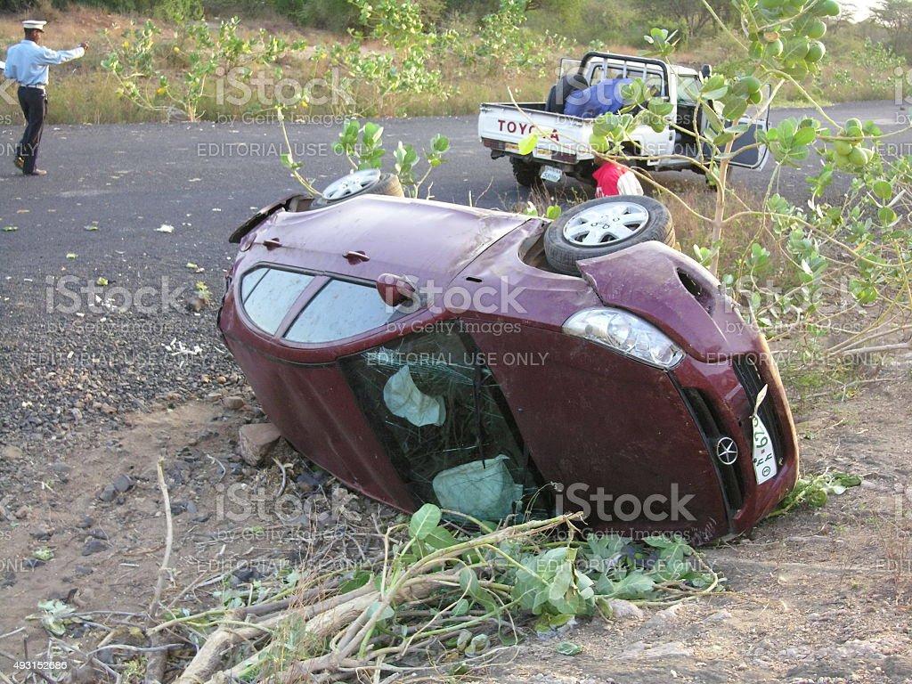 Conséquences d'accident de voiture sur la route près de la distance, l'Éthiopie. - Photo