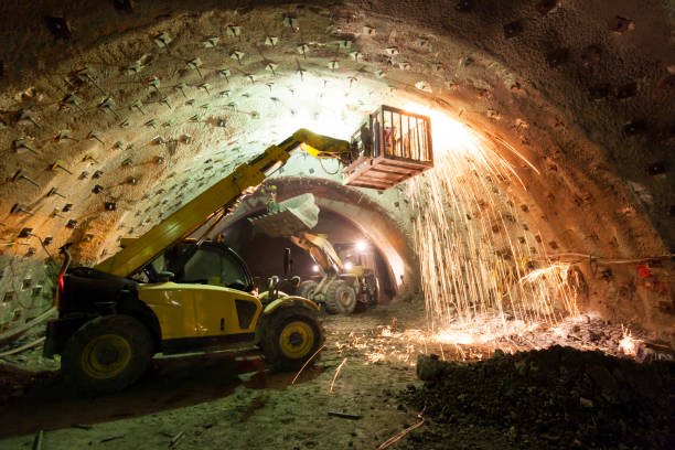 Construction Machinery Working in Tunnel Construction – Foto