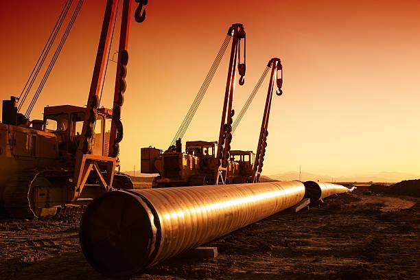 Creazione della pipeline di gas naturale - foto stock