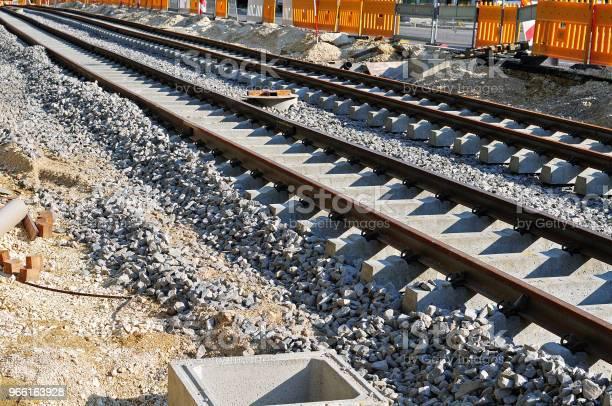 Byggandet Av En Spårvagnslinje-foton och fler bilder på Betong