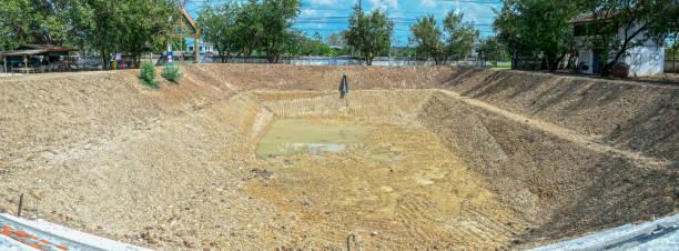 Construcción de estanques - foto de stock