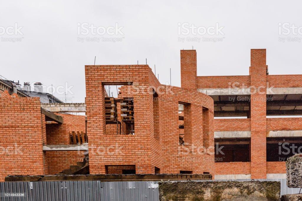 Construção do edifício de múltiplos andares - foto de acervo