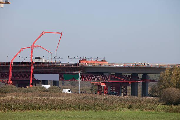 Bau von Straßen und Brücken – Foto