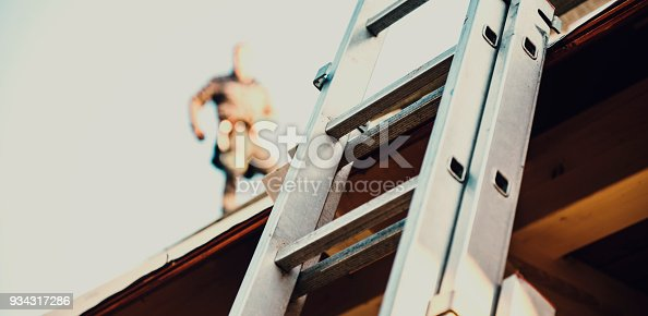 istock Construction roofer 934317286