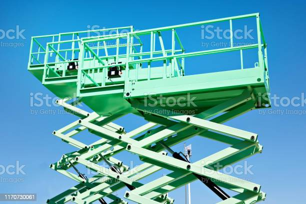 Construction Scissor Lifts - Fotografie stock e altre immagini di Affari