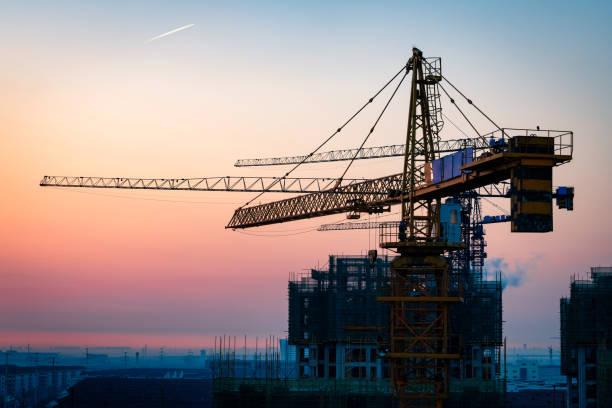 Baustelle bei Sonnenuntergang – Foto