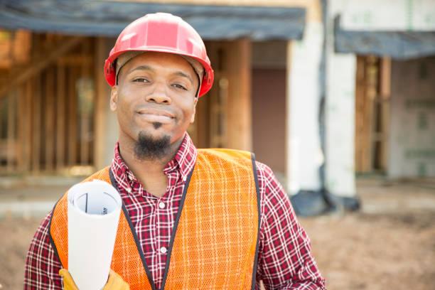 Bauarbeiter, Architekt oder Ingenieur zu Hause Baustelle. – Foto