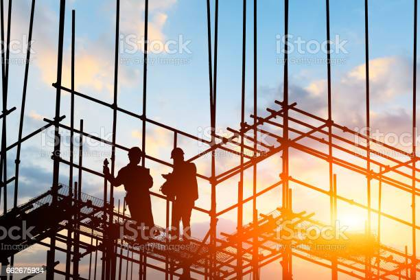 Construction worker on construction site picture id662675934?b=1&k=6&m=662675934&s=612x612&h=xrtai1x9cjamz68zwl6vyglwbrxjotrfw8racu1sf9u=