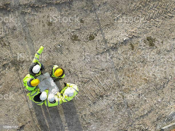 Construction worker picture id103897157?b=1&k=6&m=103897157&s=612x612&h=lm9pzwnfgvfkak0dbokrrjnkcenahjtd54 8j ujto0=