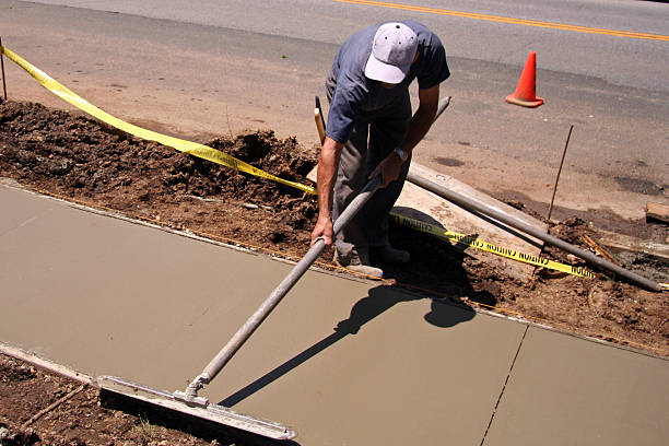 建設作業員 - 歩道 ストックフォトと画像