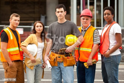 istock Construction Worker 186875136